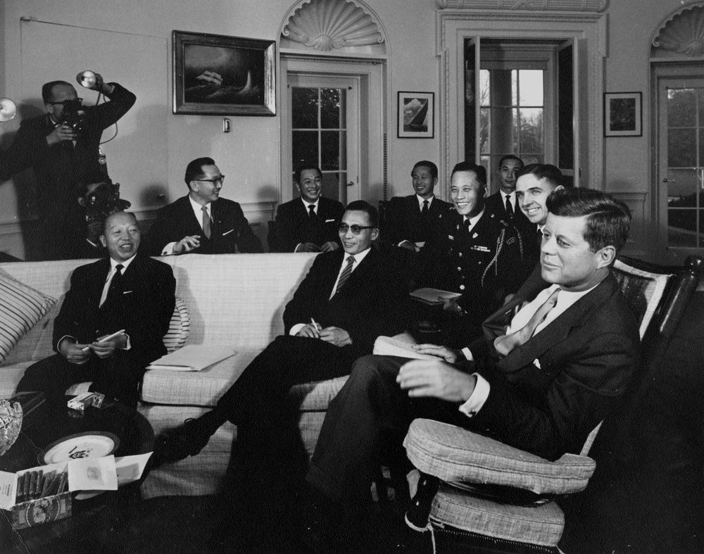 2010 john f. kennedy profile in courage essay contest John f kennedy profile in courage: essay contestin whatever arena of life one may meet the challenge of courage, whatever may be the sacrifices he faces if he follows his conscienceeach man must.
